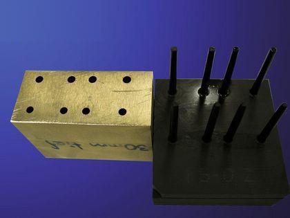 采用石墨电极对铜基材料进行高效的电火花成型加工
